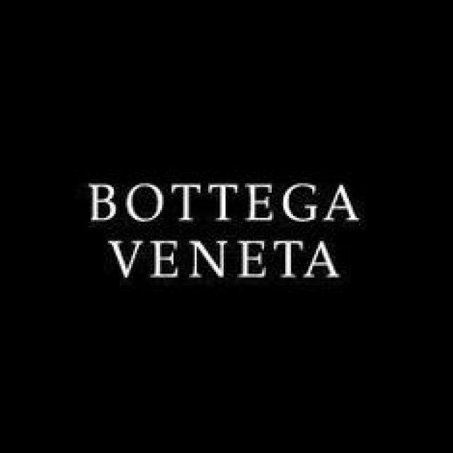Bottega Veneta : shopping de luxe, mode & accessoires à Paris-Charles De Gaulle