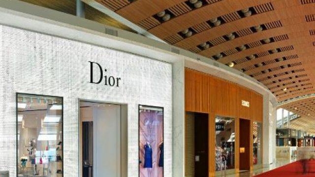 Dior : shopping de luxe, mode & accessoires à Paris-Charles De Gaulle