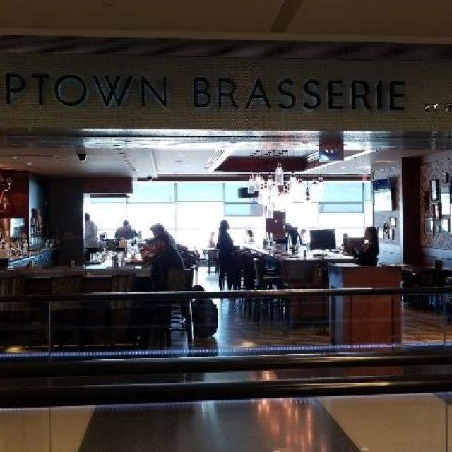 Restaurant Uptown Brasserie à l'aéroport JFK de New York